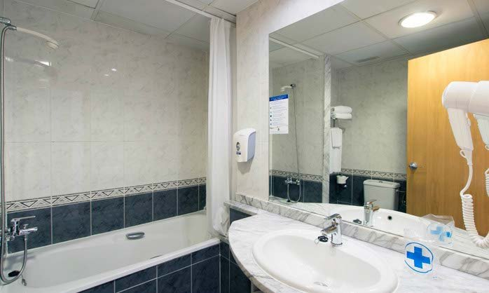 Bathroom double regente hotel benidorm